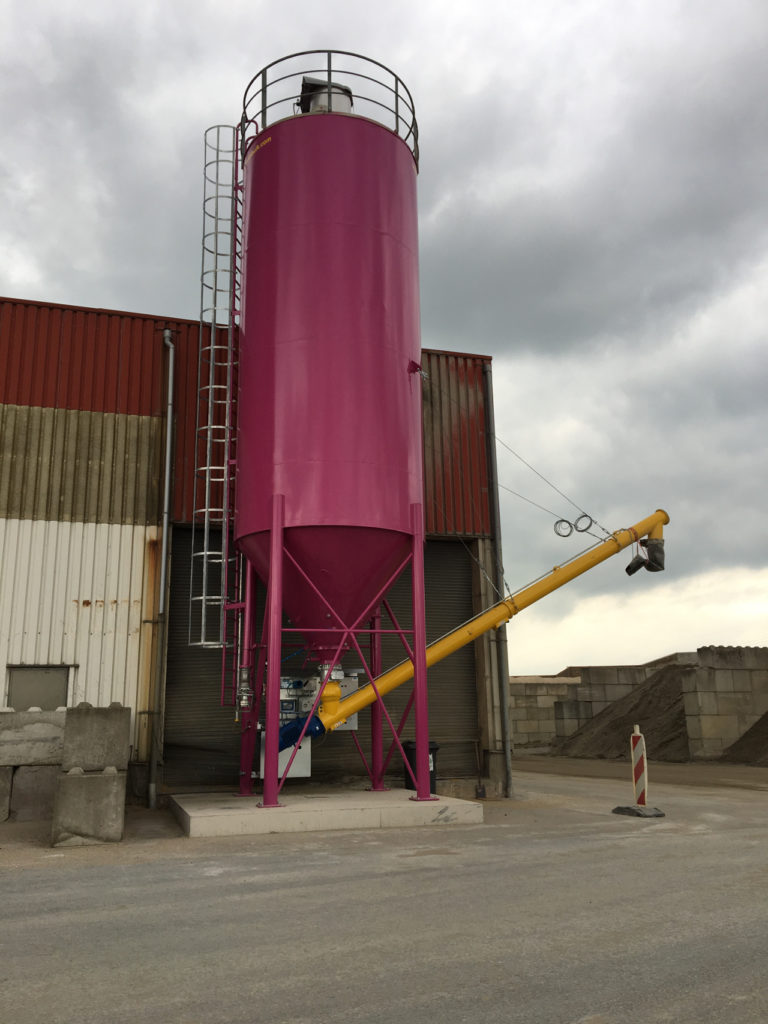 MB001 silo